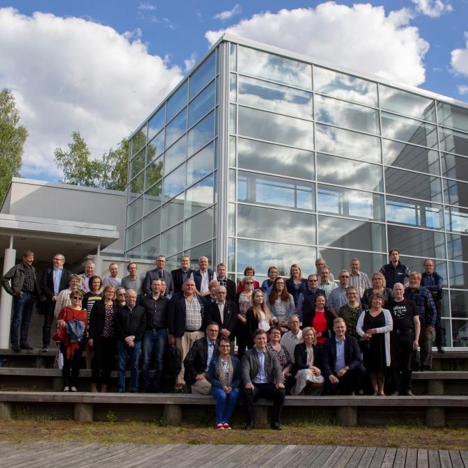 Kuhmon ja Suomussalmen valtuustojen edustajat ja muut seminaariin osallistuneet