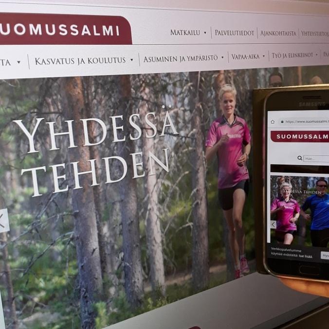 Suomussalmen kunnan verkkosivujen etusivu ruudulla ja kännykässä.